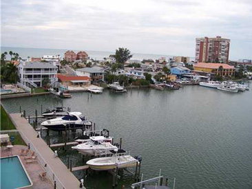 REDINGTON SHORES YACHT & TENNIS CLUB